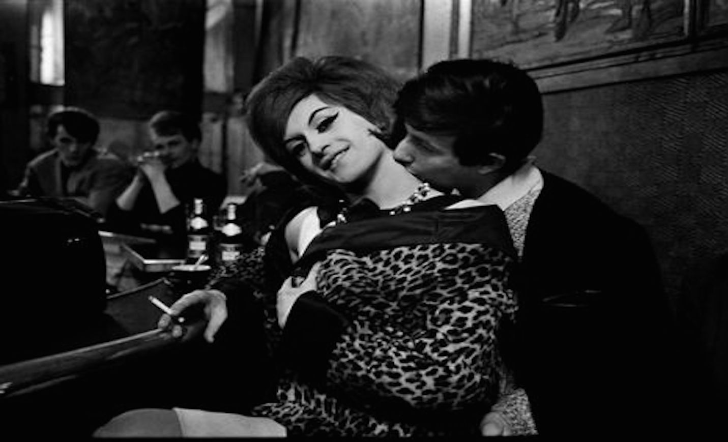 Beautiful Black & White Photographs of Parisian Prostitutes from 1950s-60s (3)