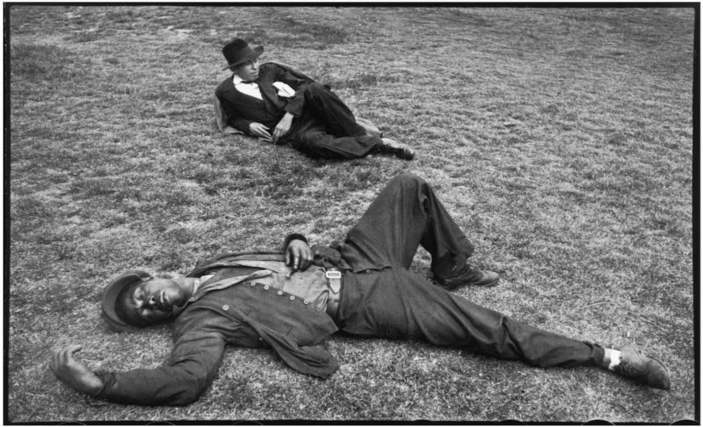 France in 1932 by Henri Cartier-Bresson (8)
