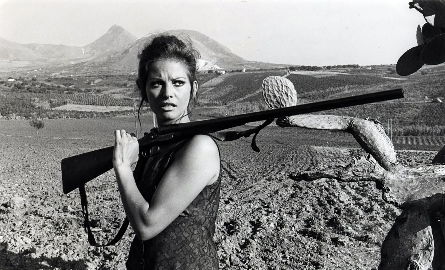 CLAUDIA CARDINALE IL GIORNO DELLA CIVETTA 1968