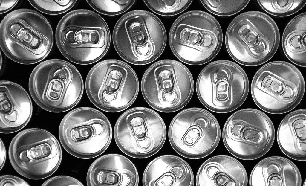 cans-2618674_1920