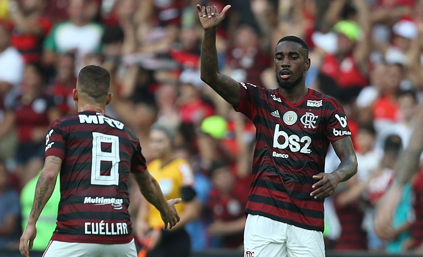 Gerson e Cuellar camisas 8 do Flamengo Divulgacao
