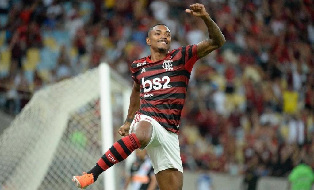 vitinho-comemora-seu-gol-pelo-flamengo-na-final-do-carioca-de-2019-1594926498270_v2_1920x1277